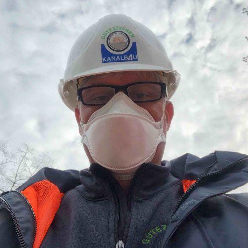 Unter Einhaltung wichtiger Hygienevorschriften konnten die Baustellenbesuche trotz der vielfältigen Einschränkungen in vollem Umfang abgewickelt werden. Foto: Güteschutz Kanalbau